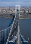 Vista aérea del Puente George Washington y Washington Heights al fondo
